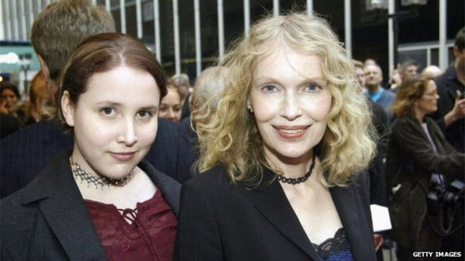 Dylan Farrow as a teenager with her adoptive daughter Mia Farrow.