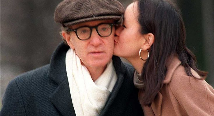 Soon-Yi Previn is kissing her husband Woody Allen